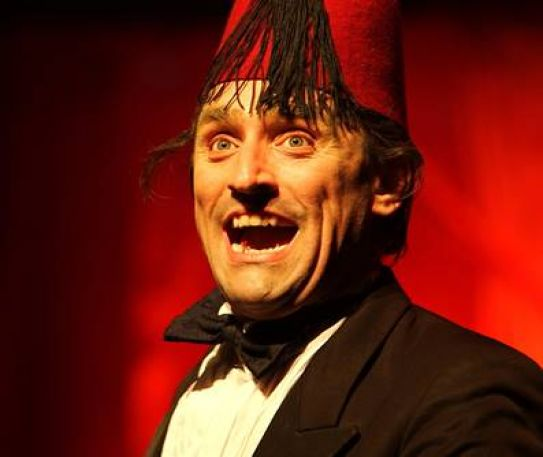 West End star to perform at the Epstein Theatre for the critically acclaimed The Tommy Cooper Show