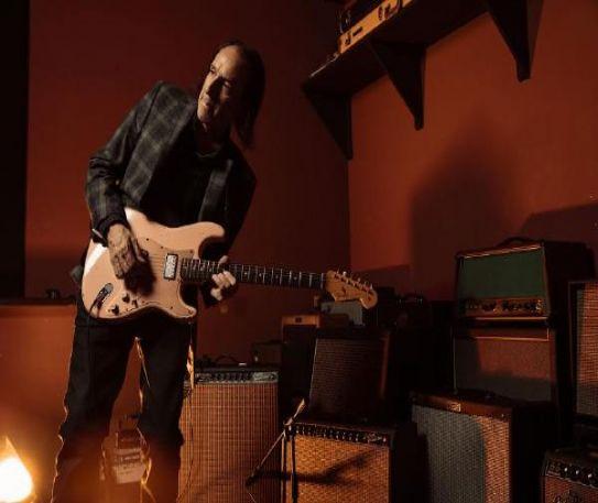 Michael Landau releasing new album Rock Bottom next month