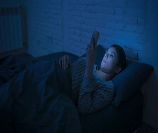 Reasons electronics could over-stimulate you before bed
