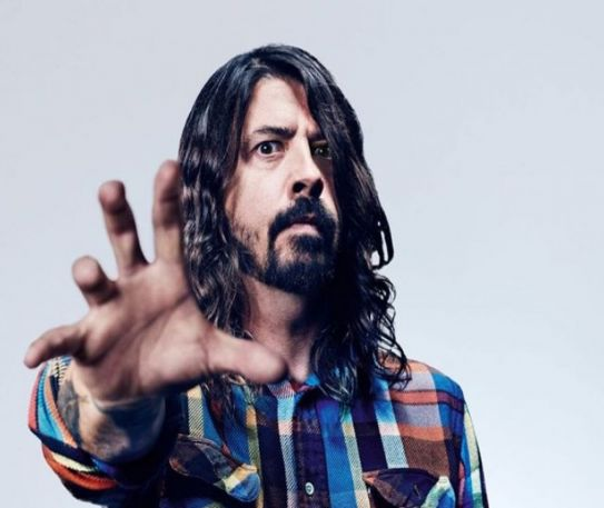 Dave's True Stories - Dave Grohl Finally Joins Social Media