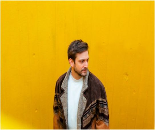 Ben Hobbs makes a spine-tingling return with new soulful slow jam titled How We Care