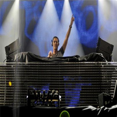 Tiesto at Creamfields 09 (Simon Barrow/Purple Revolver)